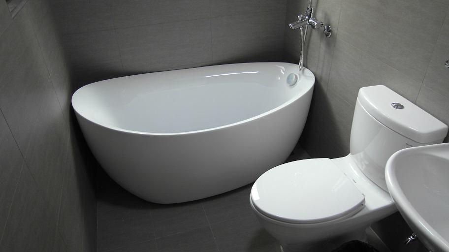 台中陳小姐 – 獨立浴缸